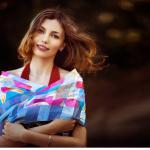 Владелица онлайн-магазина платков класса люкс: